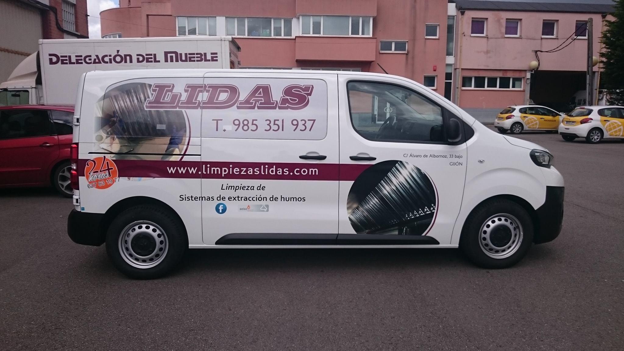 Rotulaci N De Nuestros Veh Culos Limpiezas Lidas # Muebles Para Vehiculos Industriales